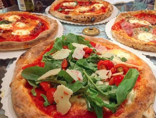 Gusta Pizza Floransa'nın en iyi pizzacılarından...