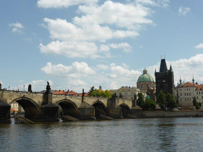 Avrupa'nın en güzel köprülerinden biri de Karl Köprüsü