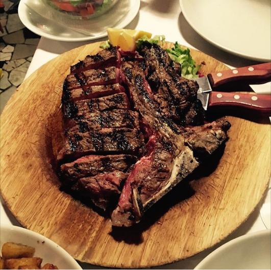 Fiorentina Steak yemek için Trattoria Nerona'ya uğrayabilirsiniz
