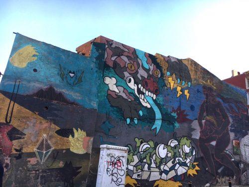 Cins, Canavar ve Rad'ın birlikte yaptığı bu mural en iyilerden biri