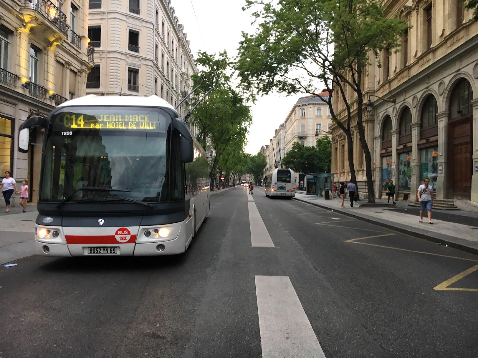 lyon otobüs