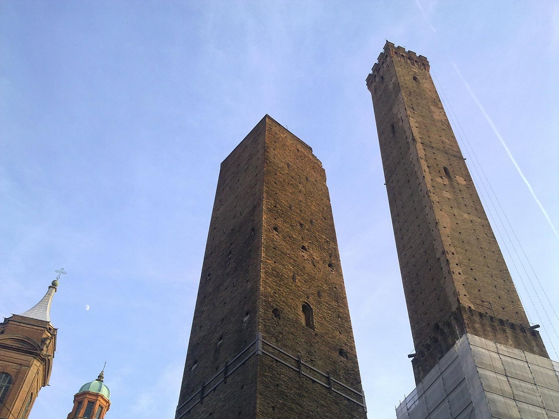 bologna ikiz kuleler 1
