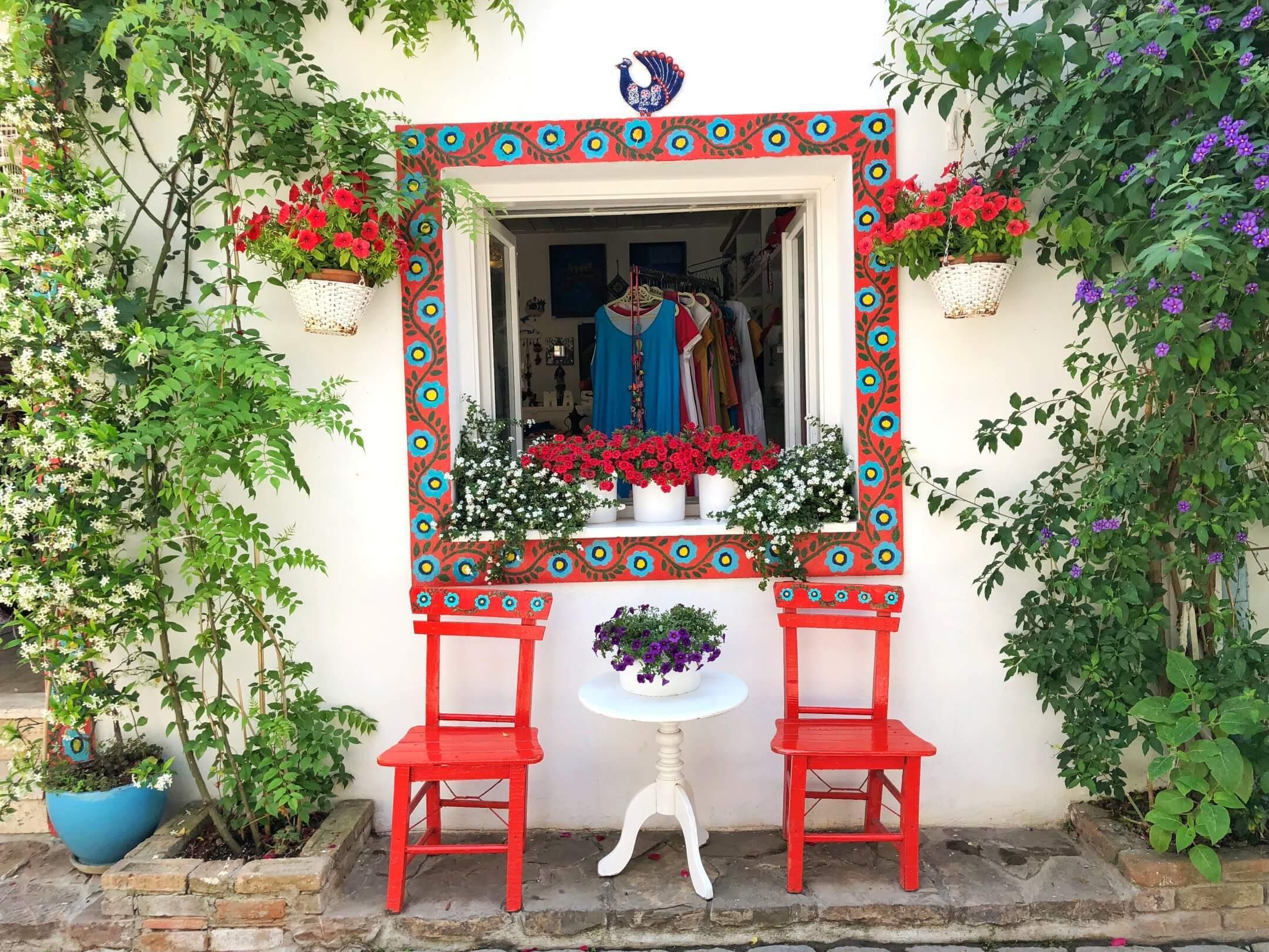 Bozcaada renkli evleri 1